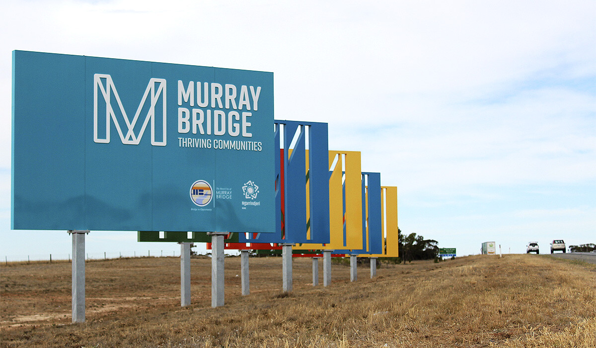 murray bridge entry signage by algo mas